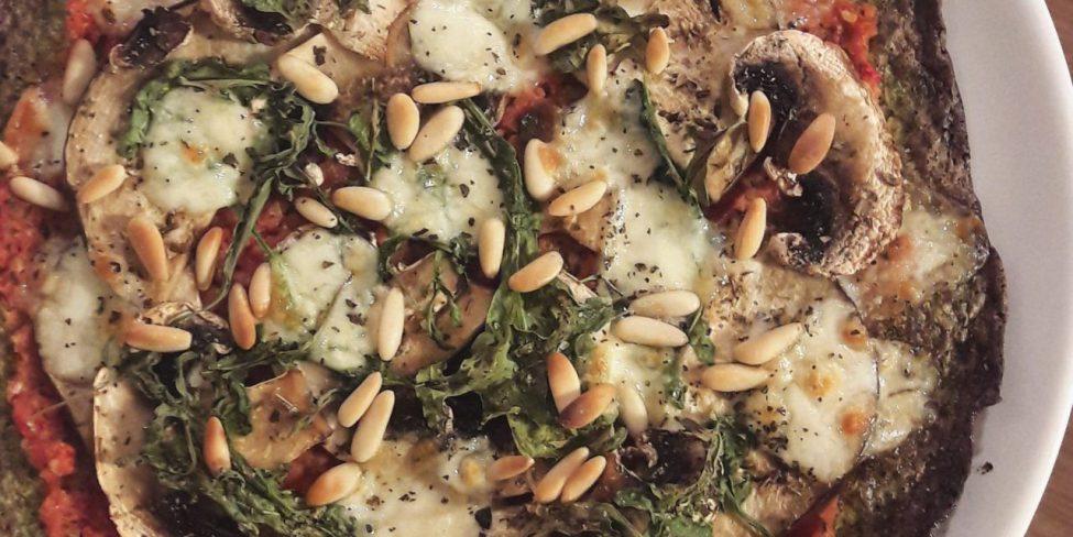 Masa de pizza con brócoli