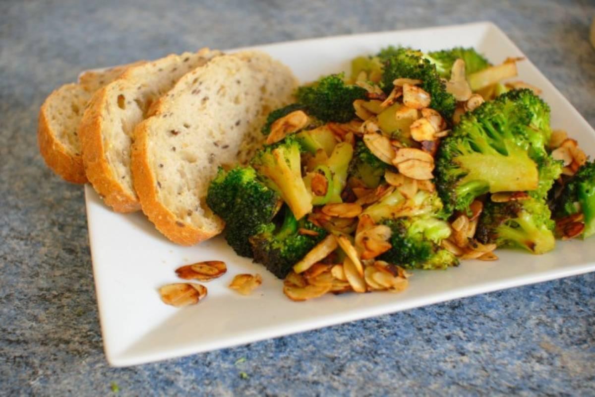 Brócoli con almendras