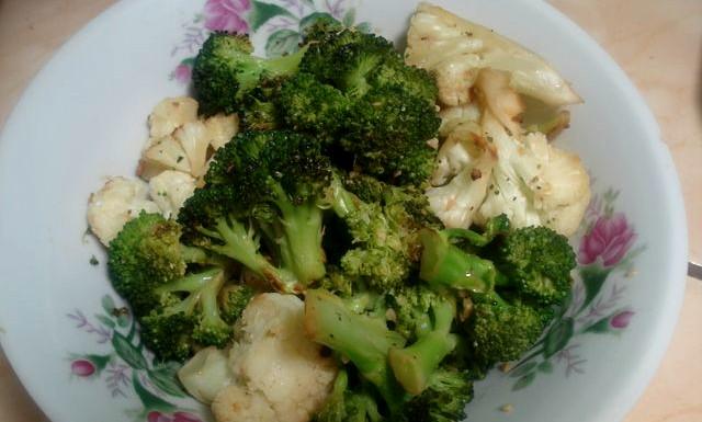 Receta de brócoli al ajillo con hongos